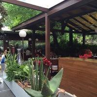 Das Foto wurde bei Şans Restaurant von Vildan Y. am 5/11/2014 aufgenommen