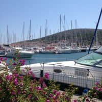 7/15/2013 tarihinde Vildan Y.ziyaretçi tarafından Çeşme Marina'de çekilen fotoğraf