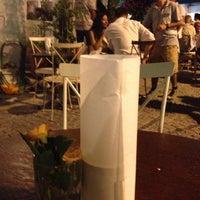 7/14/2013 tarihinde Vildan Y.ziyaretçi tarafından Köşe Kahve'de çekilen fotoğraf