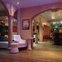 12/31/2012 tarihinde R .ziyaretçi tarafından Bacchus Coffee & Wine Bar'de çekilen fotoğraf