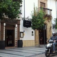 Foto tomada en Restaurante Casa Palacio Bandolero por Elle T. el 10/19/2012