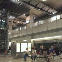 Photo taken at Serangoon MRT Interchange (NE12/CC13) by Elle T. on 9/26/2013