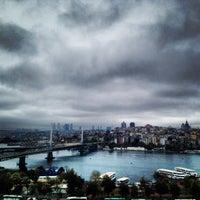 10/17/2013 tarihinde Ceylan c.ziyaretçi tarafından Hüsnü Ala Cafe'de çekilen fotoğraf