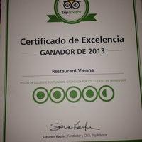 Снимок сделан в Vienna Restaurant пользователем Tania S. 10/6/2013
