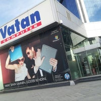 Photo taken at Vatan Bilgisayar by Mücahit Ç. on 12/27/2012