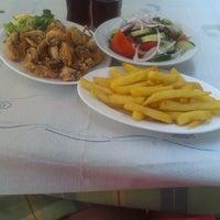 7/31/2013 tarihinde Cazimira S.ziyaretçi tarafından Ψαροταβερνα Κουκλις / Kouklis Restaurant'de çekilen fotoğraf