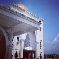 Photo taken at Masjid As-Salam (مسجد السلام) by Taufiq A. on 5/10/2013