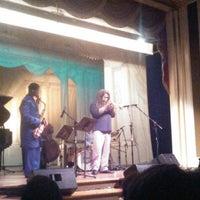 Photo prise au Scottish Rite Theatre par Gwen B. le9/30/2012