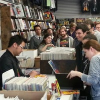 Photo prise au Austin Books & Comics par Kevin C. le2/15/2013
