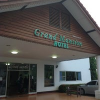 รูปภาพถ่ายที่ Grand Mansion Hotel โดย M43CONG เมื่อ 10/11/2012