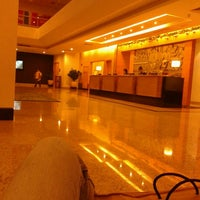 Photo taken at Holiday Inn by Amyra N. on 12/14/2012