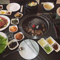 Foto tirada no(a) Korean BBQ гриль por 圣贻 钟. em 9/18/2016