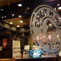 Photo taken at TOM N TOMS COFFEE by Hyunjin C. on 6/28/2014