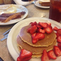 Photo taken at Hot Stacks Pancake House by Kristen H. on 8/15/2014