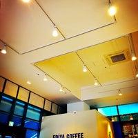 Photo taken at EDIYA COFFEE by Wanhui L. on 10/26/2016