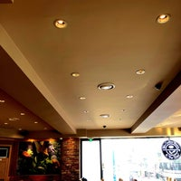 Photo taken at The Coffee Bean & Tea Leaf by Wanhui L. on 1/30/2018
