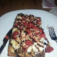 Foto scattata a Waffle Edem 46 da Nurcan T. il 5/19/2013