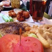 Foto tomada en Dunleavy's Restaurant & Cocktails por Donna U. el 11/17/2012