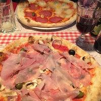 Photo prise au Pizzeria Ciao Tutti par Mateusz K. le10/25/2015