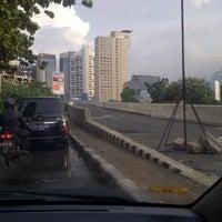 Photo taken at Jalan Layang Non Tol Kp. Melayu - Tanah Abang by Usman S. on 4/24/2013