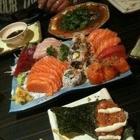 รูปภาพถ่ายที่ Shinkai Sushi โดย Will เมื่อ 10/7/2012