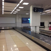Photo taken at Получение багажа / Baggage Claim Area by Elena Kruz on 9/6/2014