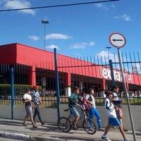 Foto tirada no(a) Extra Hipermercado por Cristiane M. em 9/28/2012