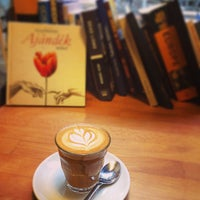 Photo taken at Madal Cafe - Espresso & Brew Bar by Zsuzsi G. on 9/10/2014