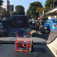 Photo taken at Perempatan Cideng (RSUD Tarakan) by Hendro K. on 4/14/2016