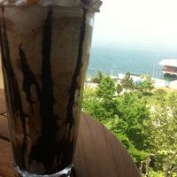 5/4/2013 tarihinde Hazalziyaretçi tarafından Kahve Dünyası'de çekilen fotoğraf