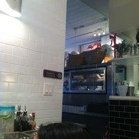 Foto tomada en Bread To Go por Vanessa D. el 12/23/2012