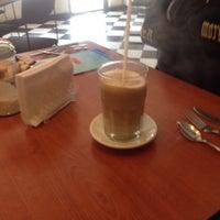 Photo taken at Mi Cafe 100% Veracruz by Berenice G. on 8/23/2014