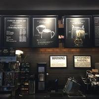 Photo taken at Starbucks by Londowl on 10/1/2016