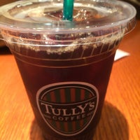 Photo taken at Tully's Coffee by naox on 8/10/2016