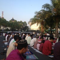 Photo taken at Masjid Jami' Al-Baitul Amien Jember by roNniE N. on 8/7/2013