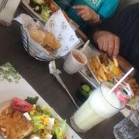 Foto tomada en Cafetería Izy por Xiomara V. el 4/8/2016
