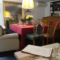 Foto tomada en Isabella's Restaurant por Christian P. el 10/13/2012