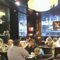 Das Foto wurde bei Nespresso von Serge P. am 10/6/2012 aufgenommen