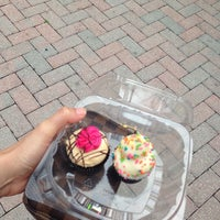 Photo taken at Cupcake Couture by Alexis N. on 7/27/2013