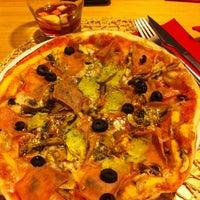 Foto tirada no(a) Presto Pizza Baixa por Pedro em 4/19/2013