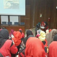 Photo taken at Lecturer Theater 4 (LT4) UiTM Perlis by Iwani Z. on 1/22/2015
