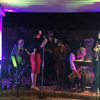 Photo taken at Maple Tree Inn by Stephanie on 9/13/2016