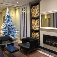 Photo taken at Hilton Sheffield Hotel by Jeff on 12/13/2017