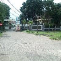 3/29/2013 tarihinde khusnul f.ziyaretçi tarafından Dinas Perindustrian dan Perdagangan Provinsi Jawa Timur'de çekilen fotoğraf