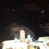 Foto tirada no(a) Fethiye Yengeç Restaurant por Volga👠🍺👠 A. em 9/18/2012
