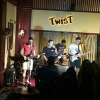 7/13/2016 tarihinde Ozlem B.ziyaretçi tarafından Twist Bar'de çekilen fotoğraf