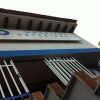 Photo taken at Hospital Veterinario Círculo Azul by Ernesto G. on 11/4/2012