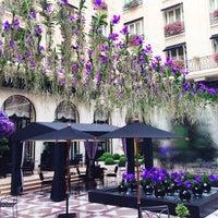 Photo prise au Hôtel Four Seasons George V par Vera le9/19/2013