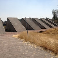 Das Foto wurde bei Espacio Escultorico UNAM von Liz am 2/28/2013 aufgenommen