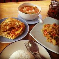 Photo taken at ร้านอาหาร ครัวท้ายซอย by Milky J. on 12/1/2012